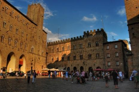 Piazza dei Priori, Volterra