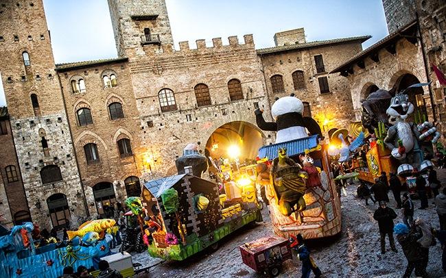 Carnival in S. Gimignano_Lia et Angelo's